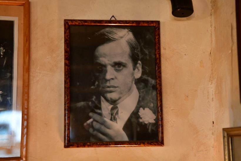 Das Kriminalhaus mit seinem Café Sherlock das kriminellste Cafe in Hillesheim im Herzen der Eifelem