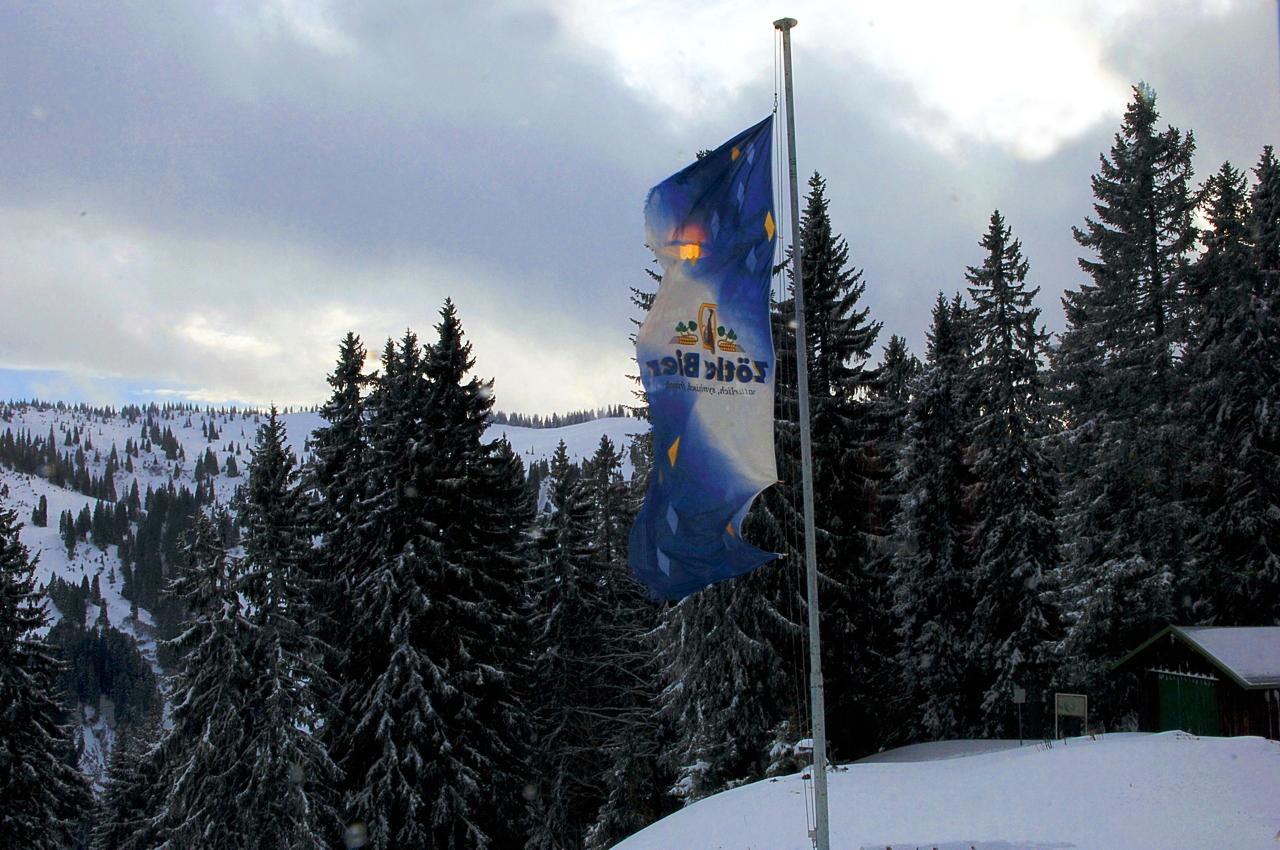 Hörnerbahn nur 7km von Oberstdorf in Bolsterlang längste Höhen-Winterwanderwege im Allgäu mit Berghaus Schwaben