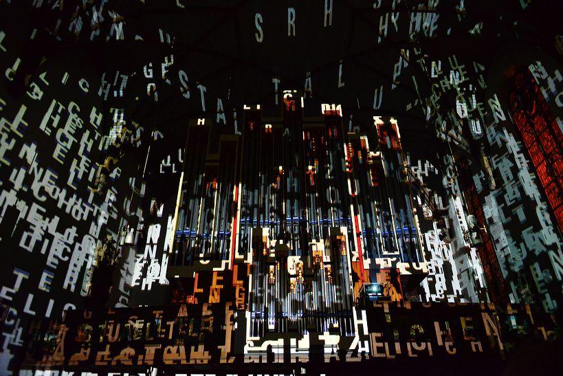 Die Luminale Frankfurt, leuchtende Objekte in der ganzen Stadt, die Biennale der Lichtkultur mit vielen Projekten der Lichtkunstschau.