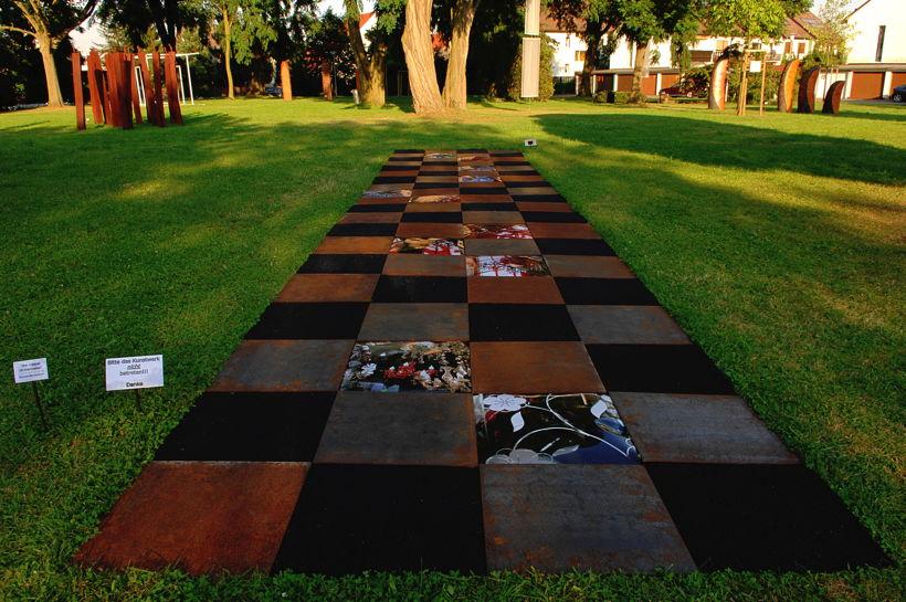 12. Skulpturenpark 2009 Mörfelden-Walldorf Starke Frauen braucht hat das Land