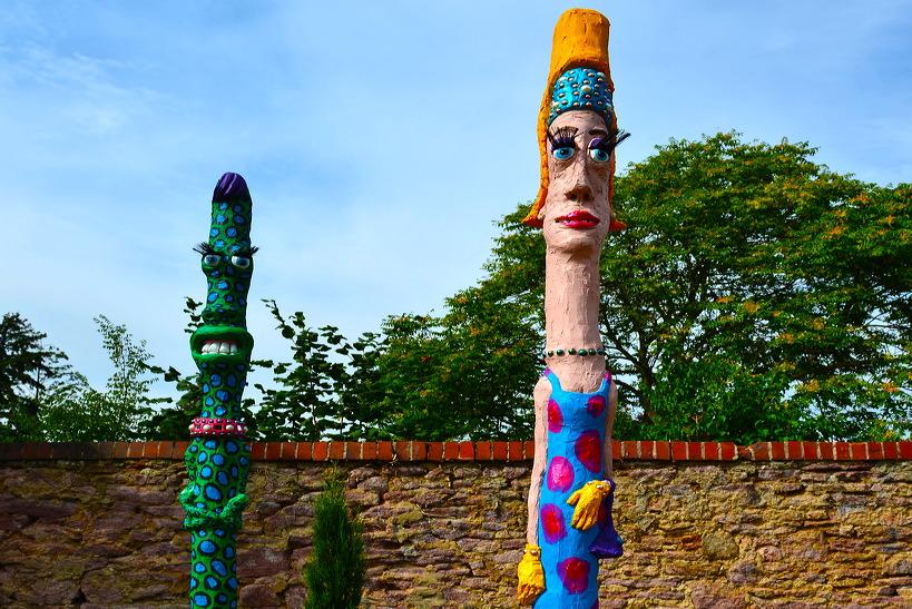 16. Skulpturenpark 2013, der Stadt Mörfelden-Walldorf - Mir wird ganz Angst um die Welt, wenn ich an die Ewigkeit denke